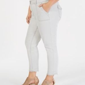 Style Co Green Mid Rise Zipper Button Skinny Pant